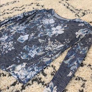 Tops - Flower knit top